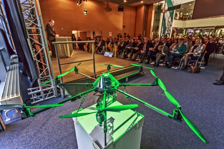 7. Lange Nacht der Wissenschaften, Eröffnung im Fraunhofer-Institut für Integrierte Schalltungen IIS in Erlangen-Tennenlohe,  Foto: HvD