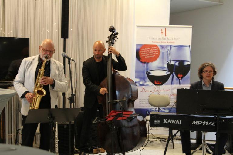 Musikalische Begleitung beim Ratsempfang am 13. Wissenschaftstag in Weiden, Foto: Sonja Wiesel